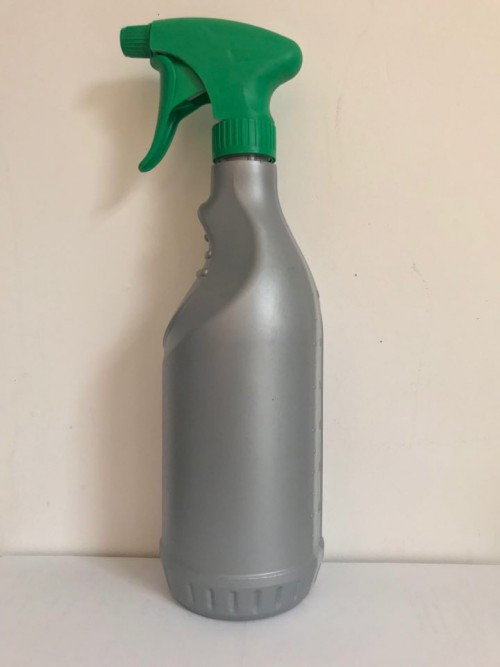 QMF - lege fles/bottle met groene sprayer - 700ml